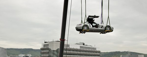 mercedes-benz-sls-amg-flies_7SM5r_5965