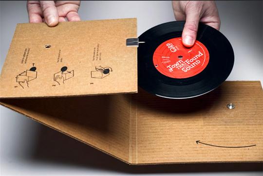 Une platine vinyle en carton pour ggprla news du digital ndd la news du - Fabriquer une platine vinyle ...