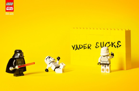 Lego-Star-Wars-Ad-Vader-Sucks-580x382