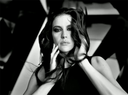 Givenchy-Liv-Tyler-Need-You-Tonight-video-clip
