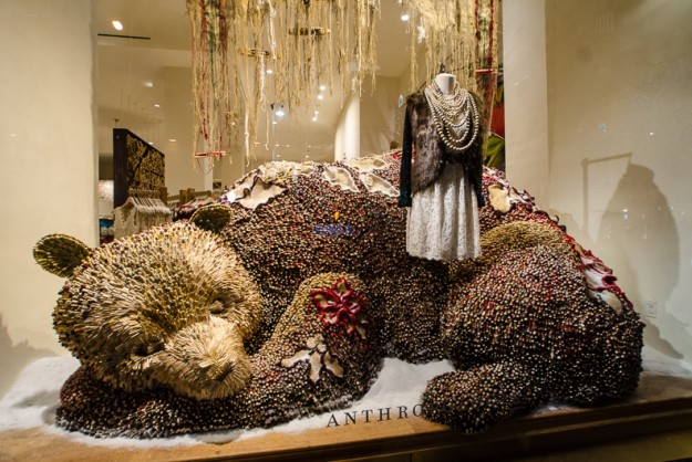Anthropologie_nyc_holiday_window_81-625x418