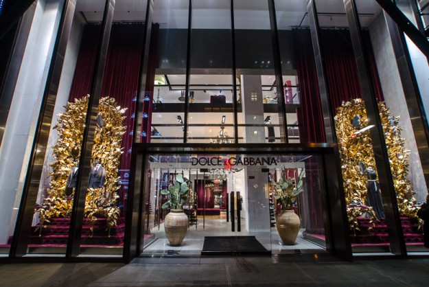 Dolce-Gabbana_nyc_holiday_window_67-625x418
